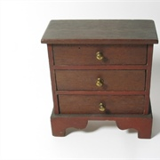 The chest of drawers that probably the most often found of the John ...
