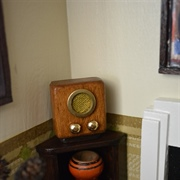 Radio and corner unit