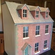 Zoe H - 'Wing' Dolls' House