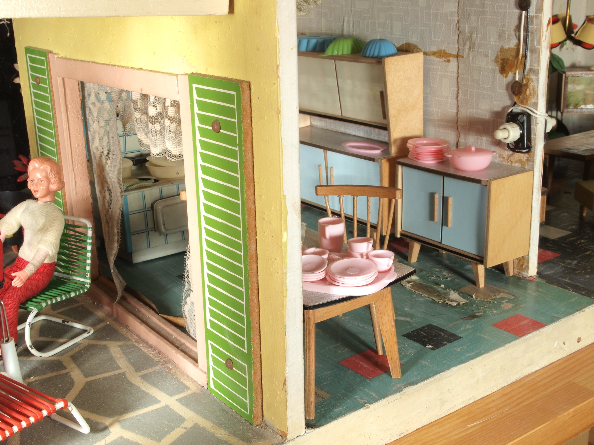 1960s Schönherr pastel house inside downstairs and shutters