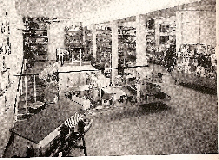 1962 photo of toy shop West Germany with Schönherr bungalow on left