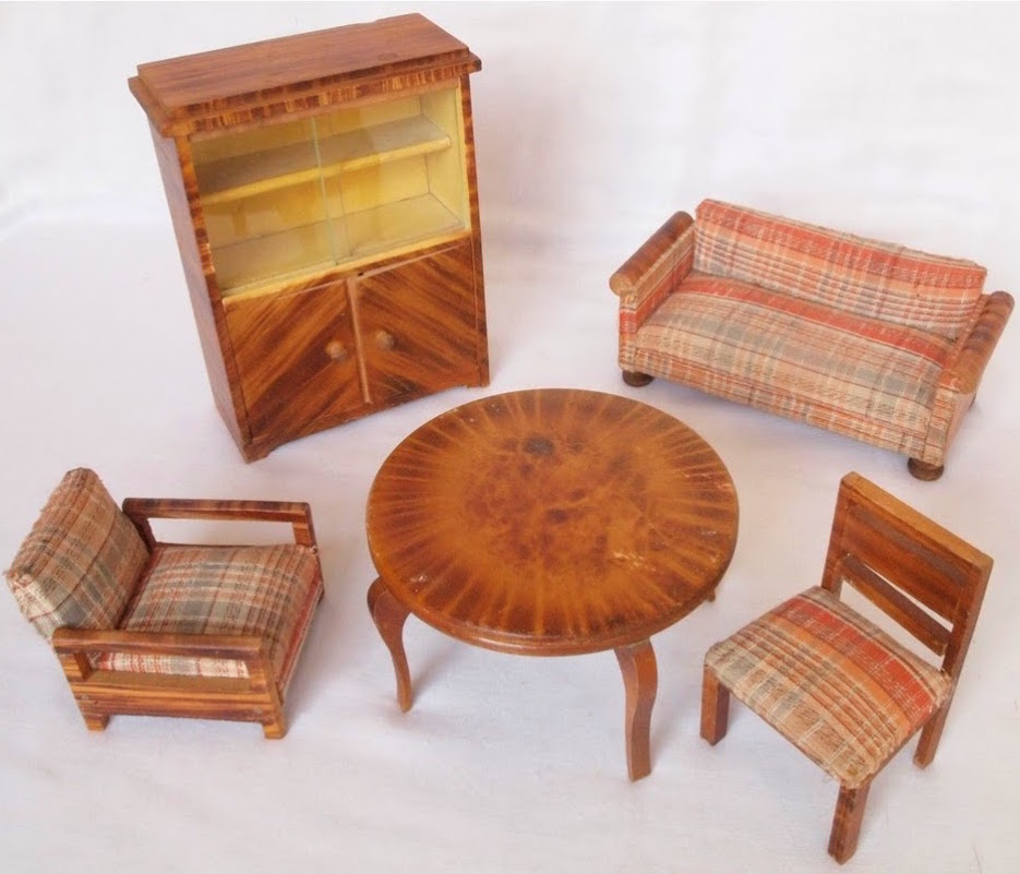 Set of wooden veneered living room furniture