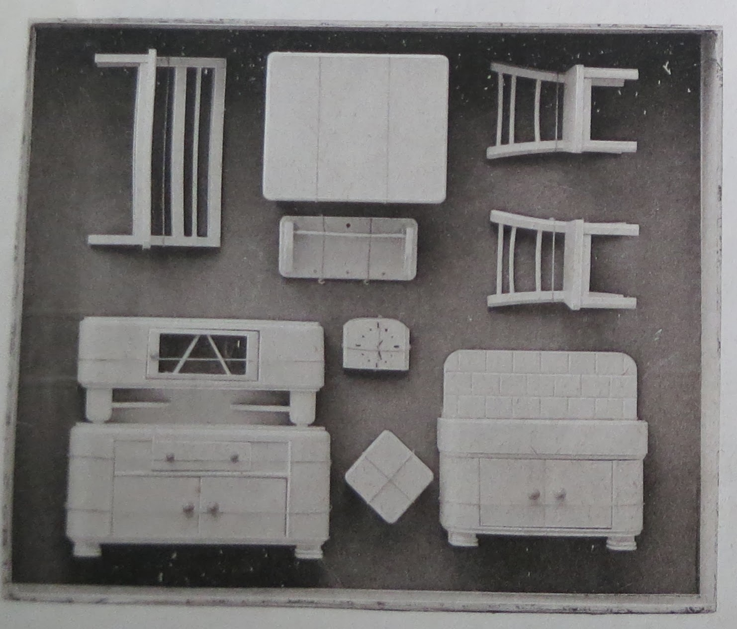 1950 greyscale catalogue pic of another Rülke kitchen